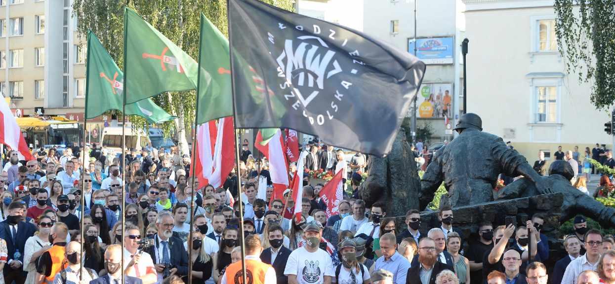 Warszawa, 15.08.2020. Ceremonia poswiecenia sztandaru Ruchu Narodowego, na placu Krasinskich w Warszawie