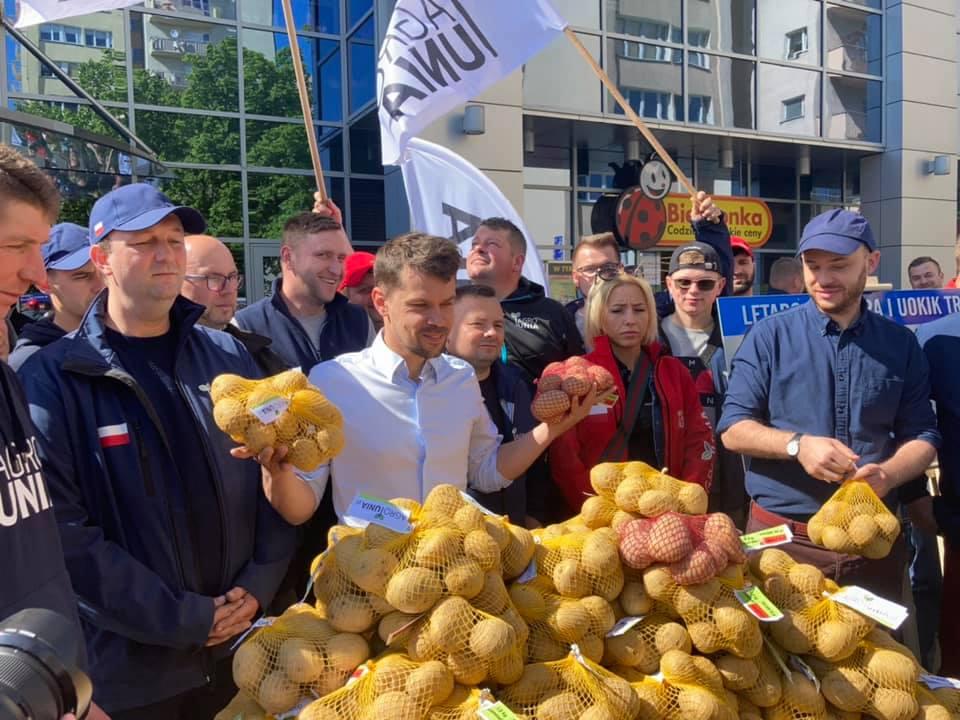 W Warszawie trwa protest Agrounii.