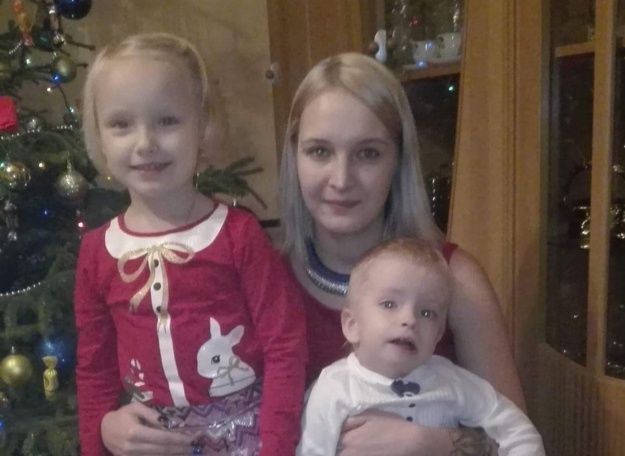 Izabela Brodzik z Krzysiem i Nikolą