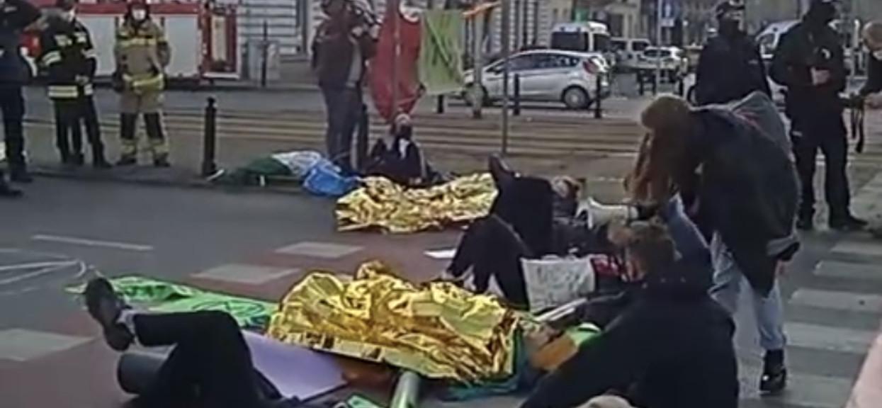 protest w centrum warszawy