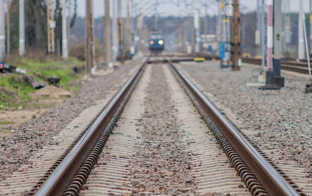 Około godziny 9 pod pociąg w Pruszkowie weszła kobieta