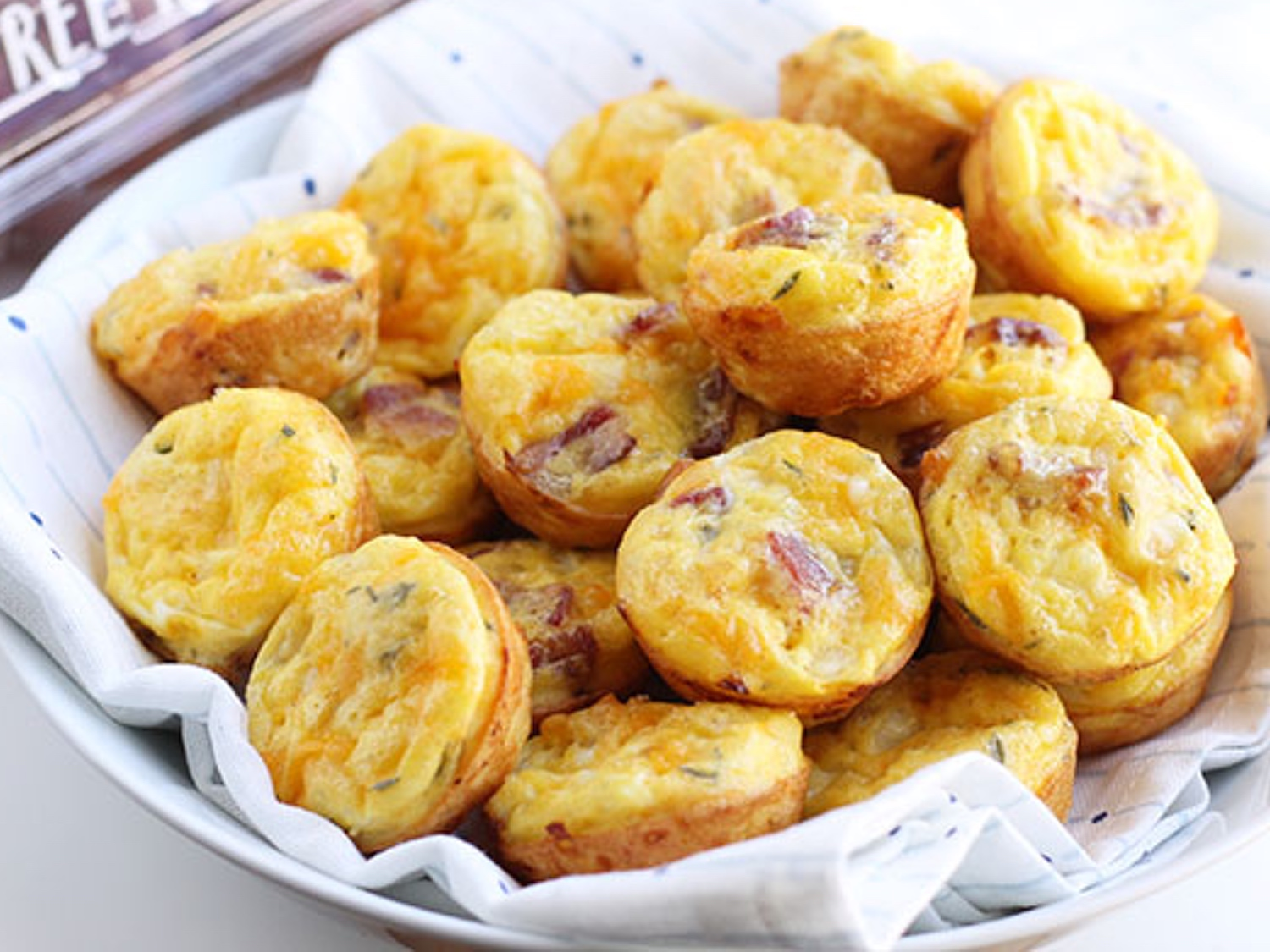 bacon-egg-cheese-mini-muffins-blog