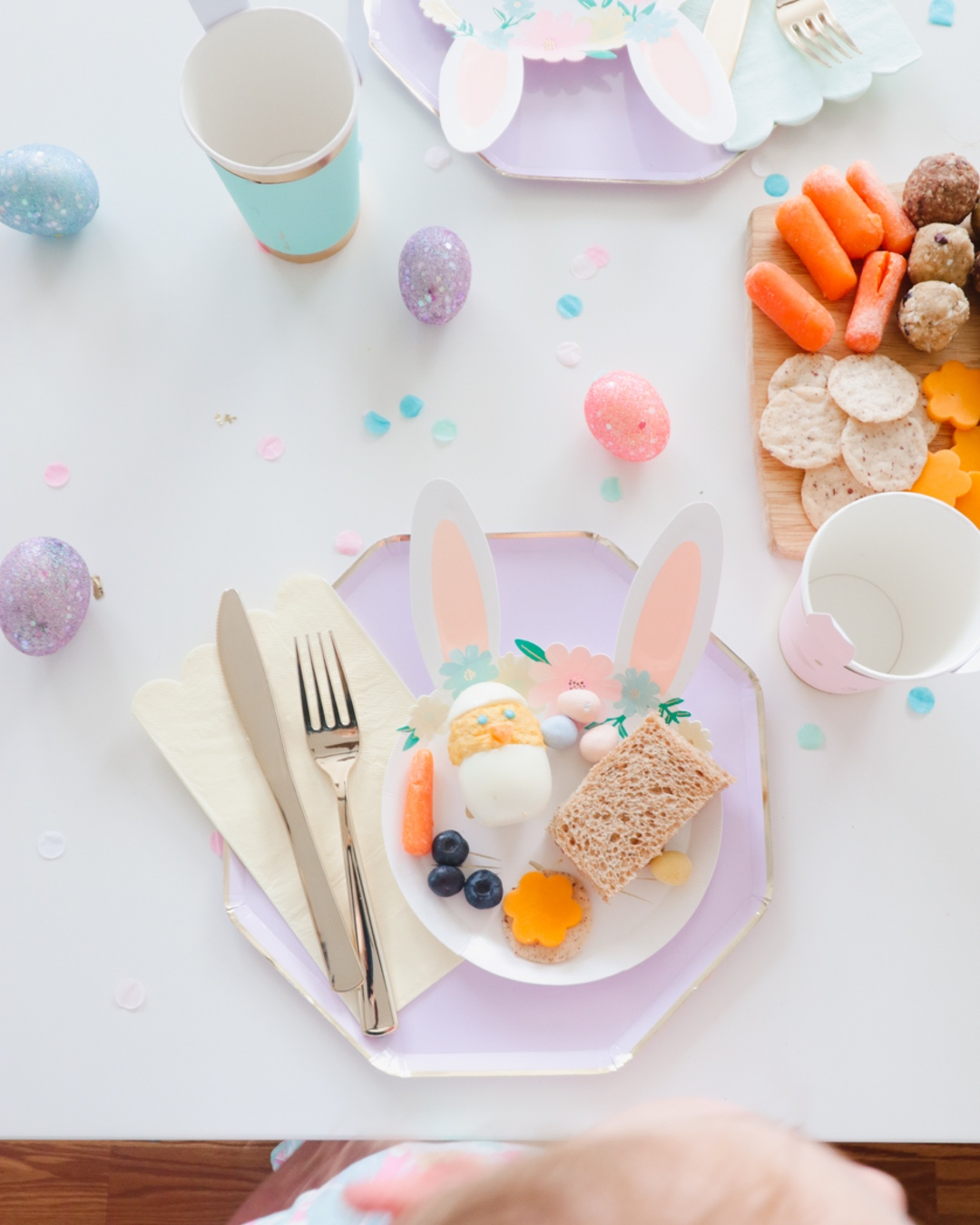 easter-picnic-party-place-setting