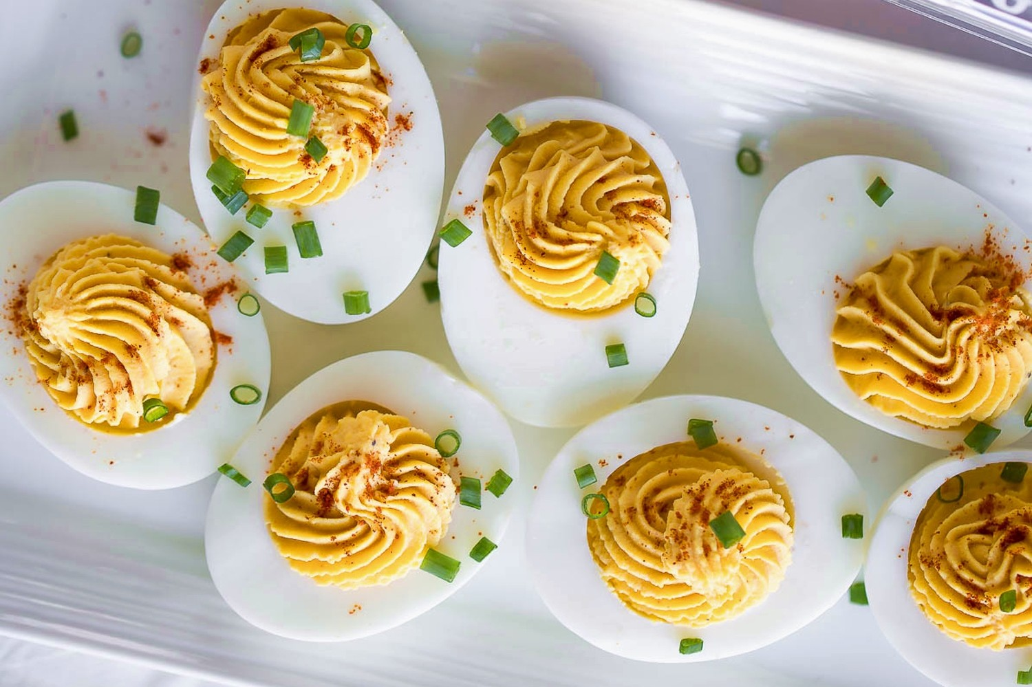 Easy, perfect-every-time Instant Pot 5-5-5 deviled egg recipe made with free range eggs. | nelliesfreerange.com