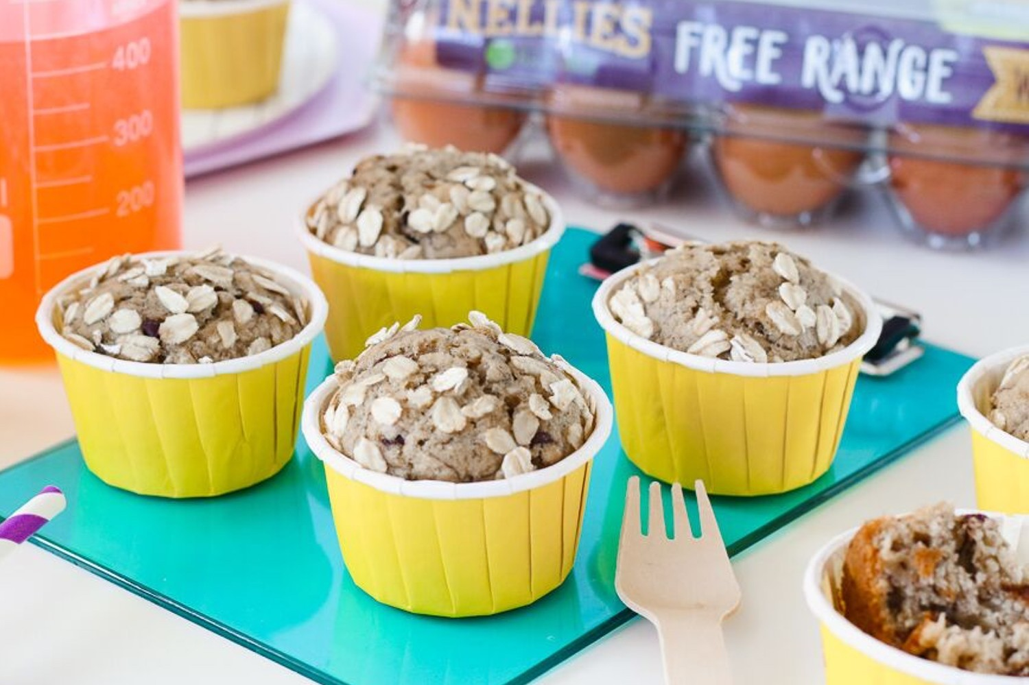 Healthy banana oat chocolate chip muffins packed with protein, whole grains, potassium, and healthy fats. | nelliesfreerange.com