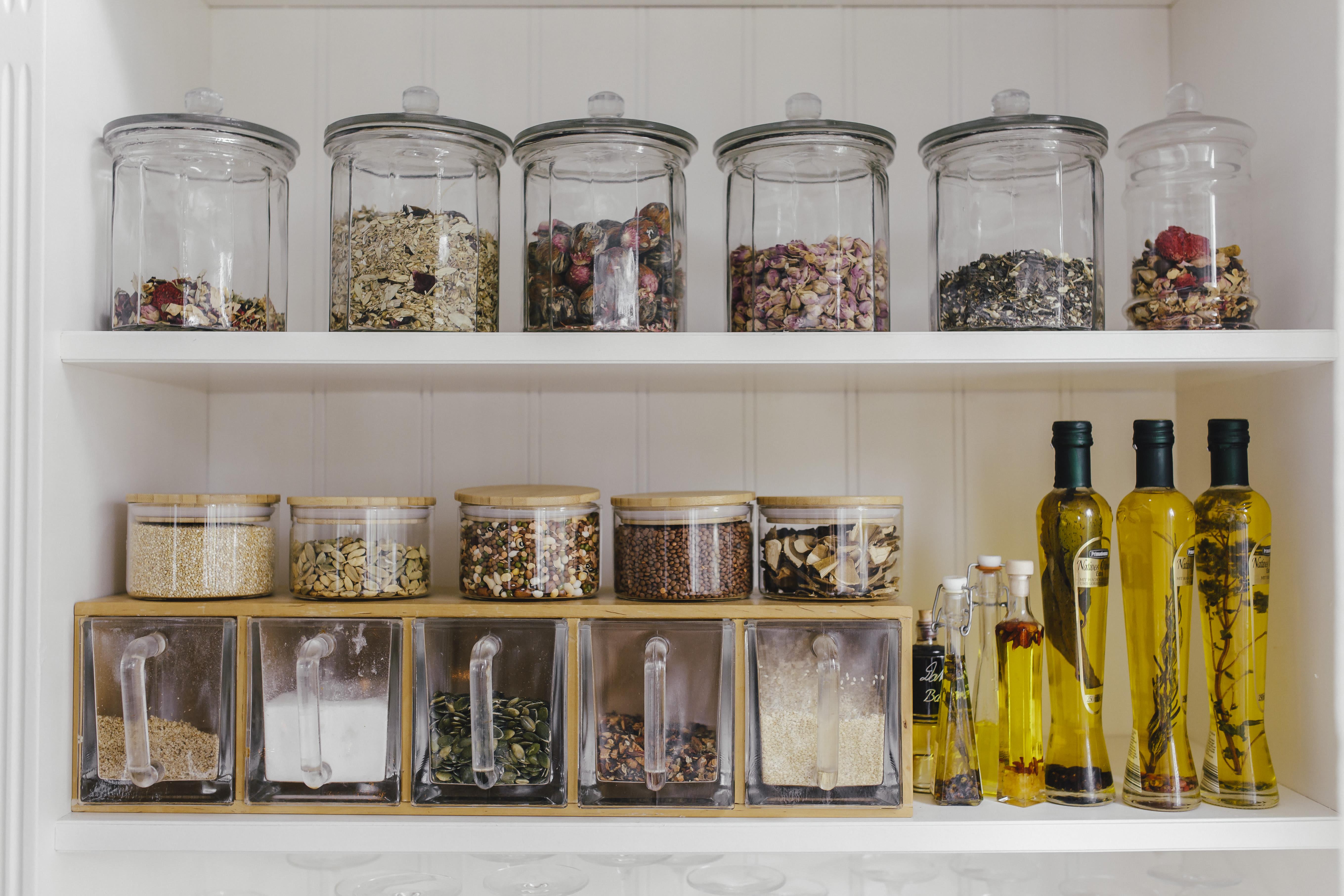 Küchen Makeover - Regal Inhalt