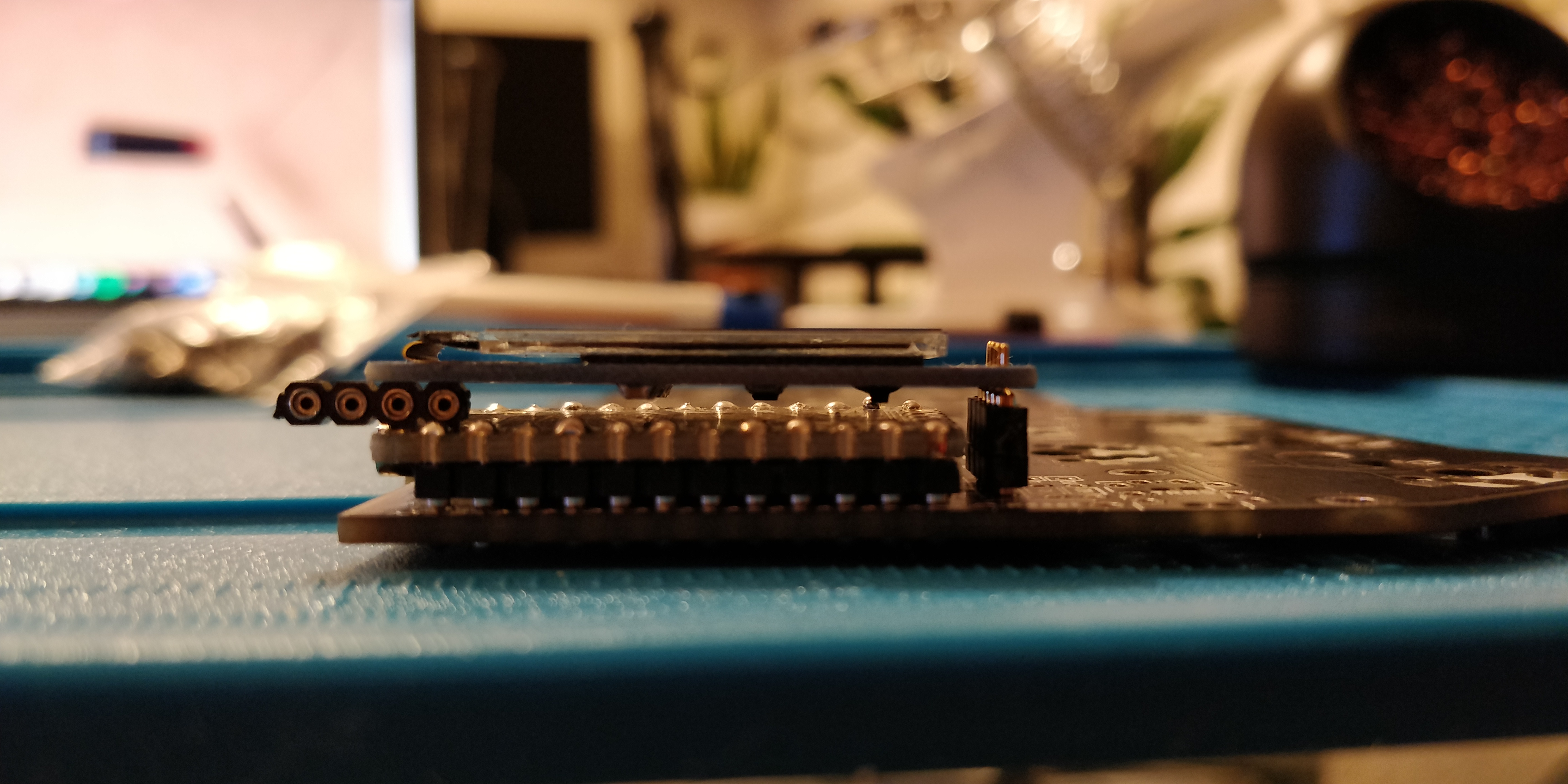 step 17.2 - corne crkbd - another angle of the OLED space divider