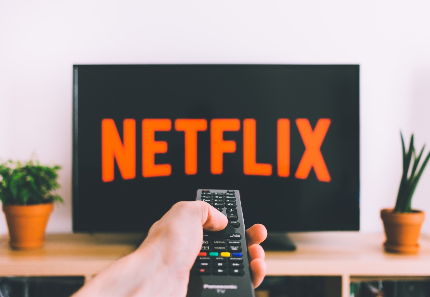 netflix-television-screen-remote-control