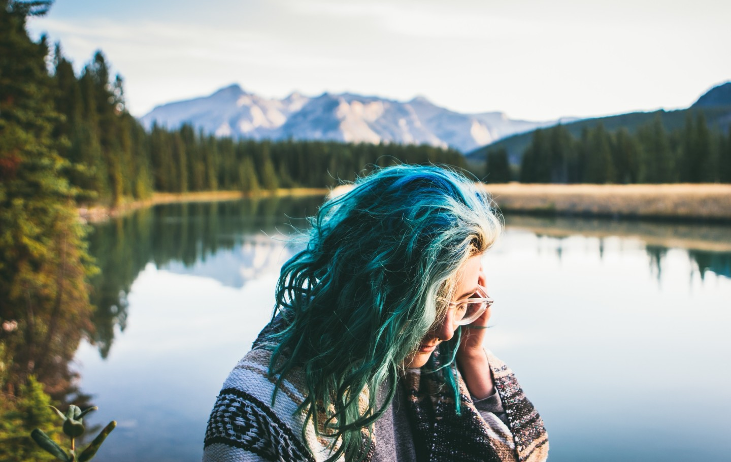colored-hair-woman-nature