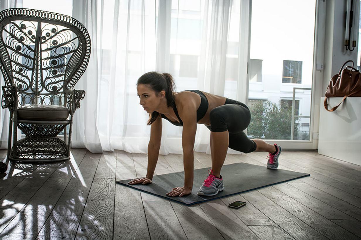 female-indoor-climbers_content