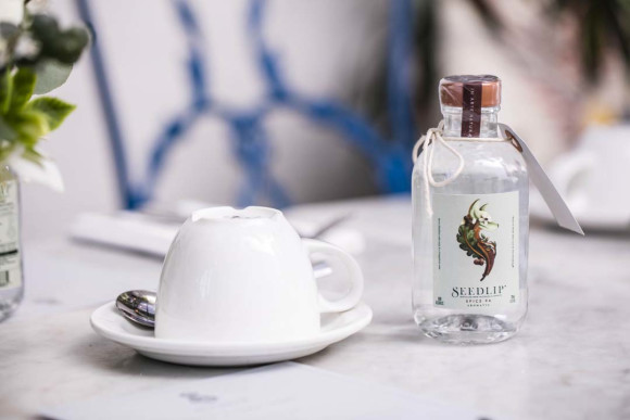 Seedlip mini Spice 20cl with teacup