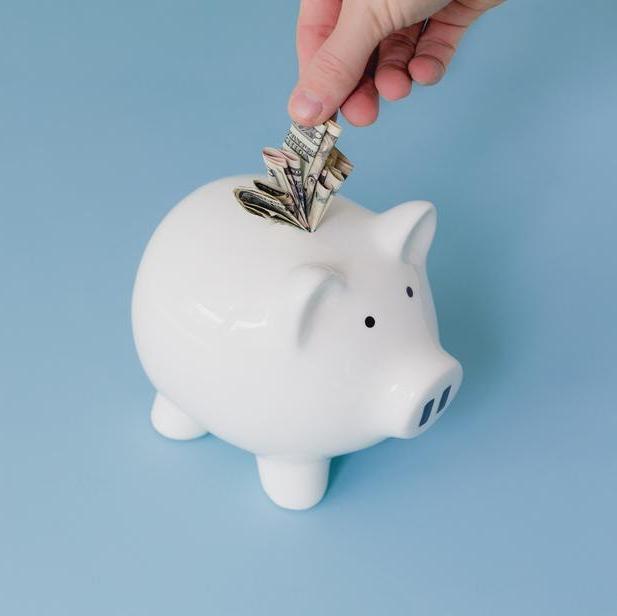saving-money-piggy-bank-square