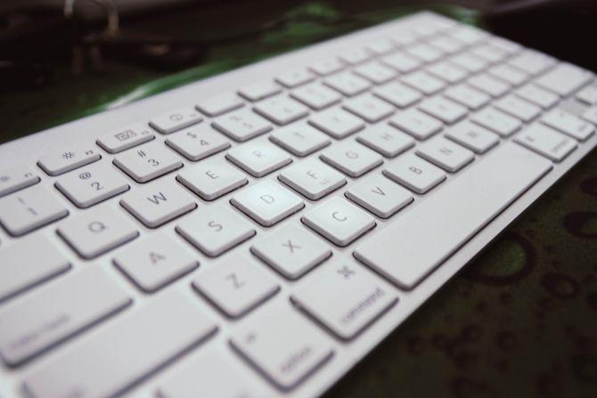 computer-keyboard-closeup