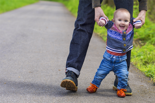 signs your baby wants to walk