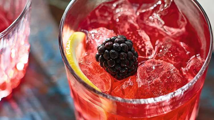 Bank holiday bramble cocktail recipe