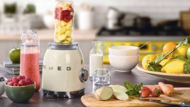 Win a Smeg blender and bottle in our latest competition