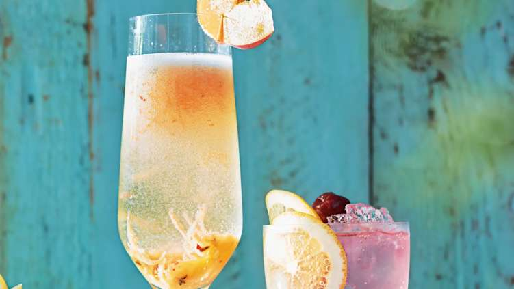 Peach, prosecco and thyme bellini recipe