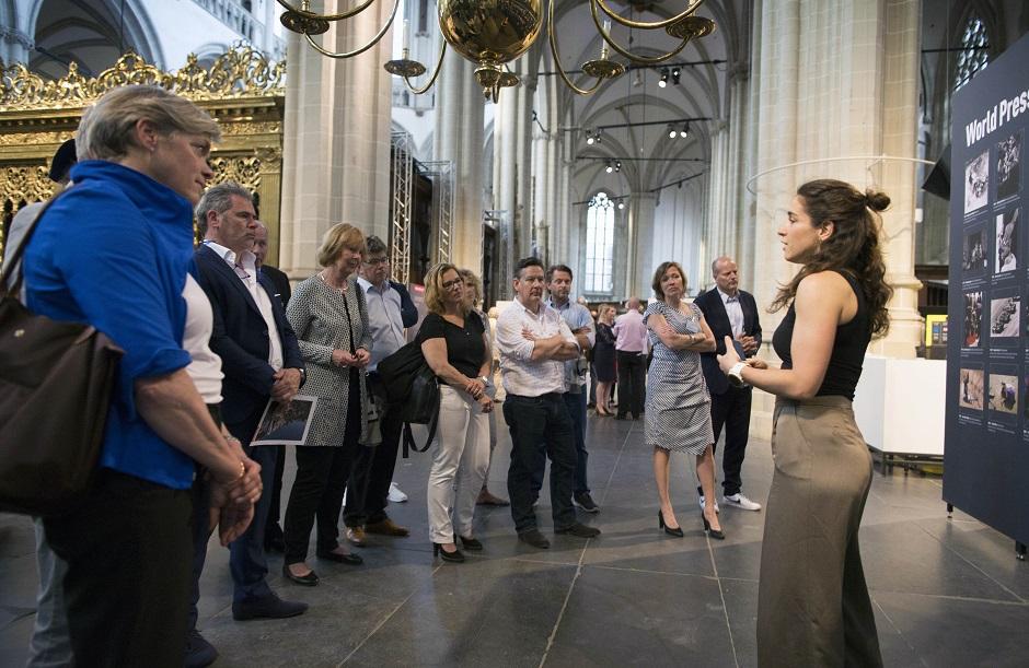 World Press Photo en Schiphol Privium 16