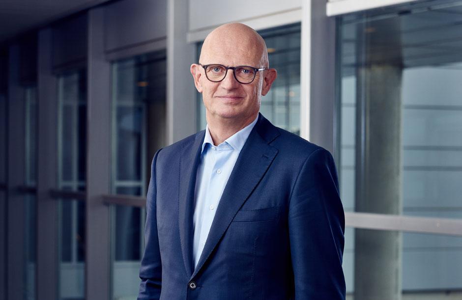 Robert Jan van de Kraats - Supervisory Board of Royal Schiphol Group