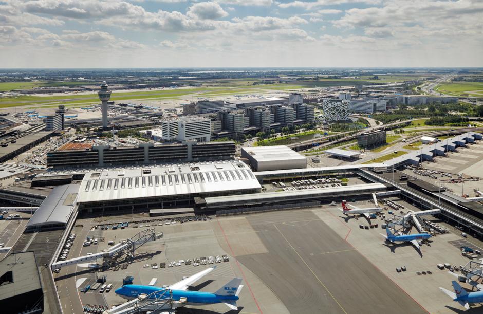 De exploitatie van Amsterdam Airport Schiphol is onze belangrijkste activiteit