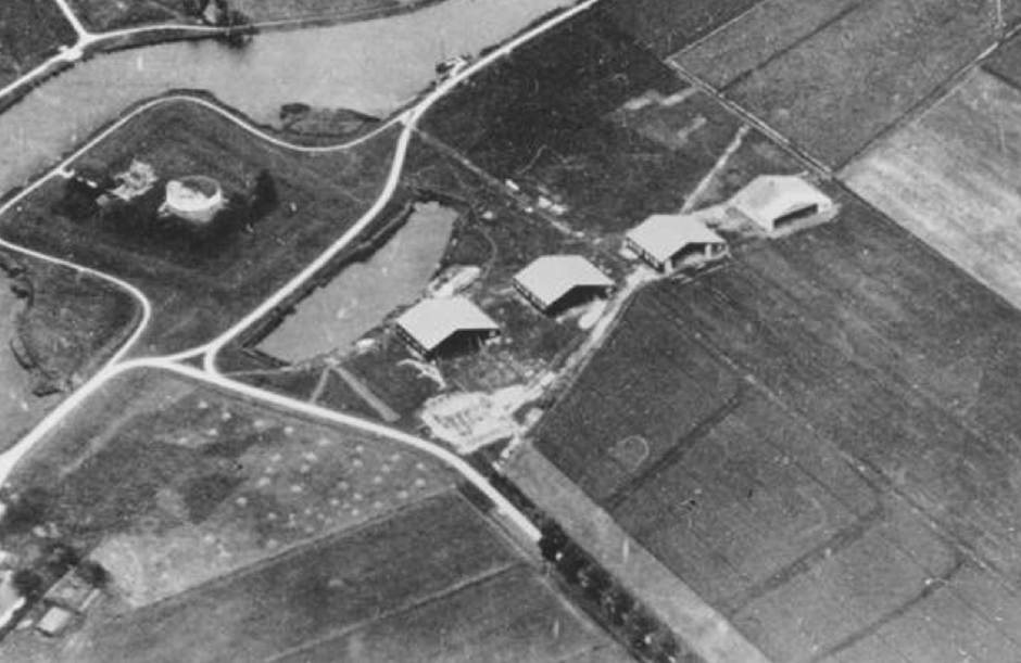 Hangars at Schiphol in 1916