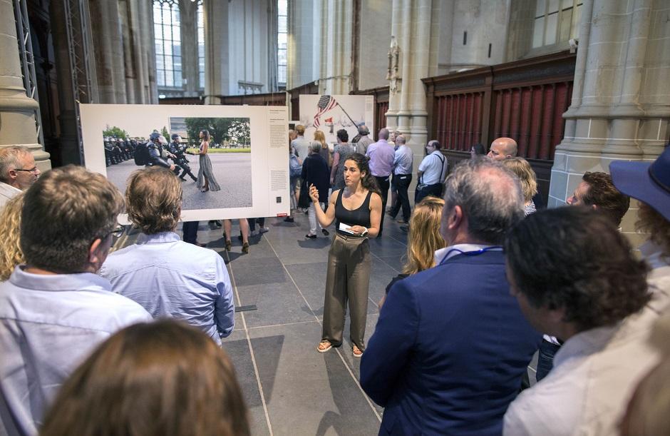 World Press Photo en Schiphol Privium 19