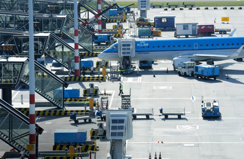 Schiphol | 70 aircraft stands with 400Hz-installations