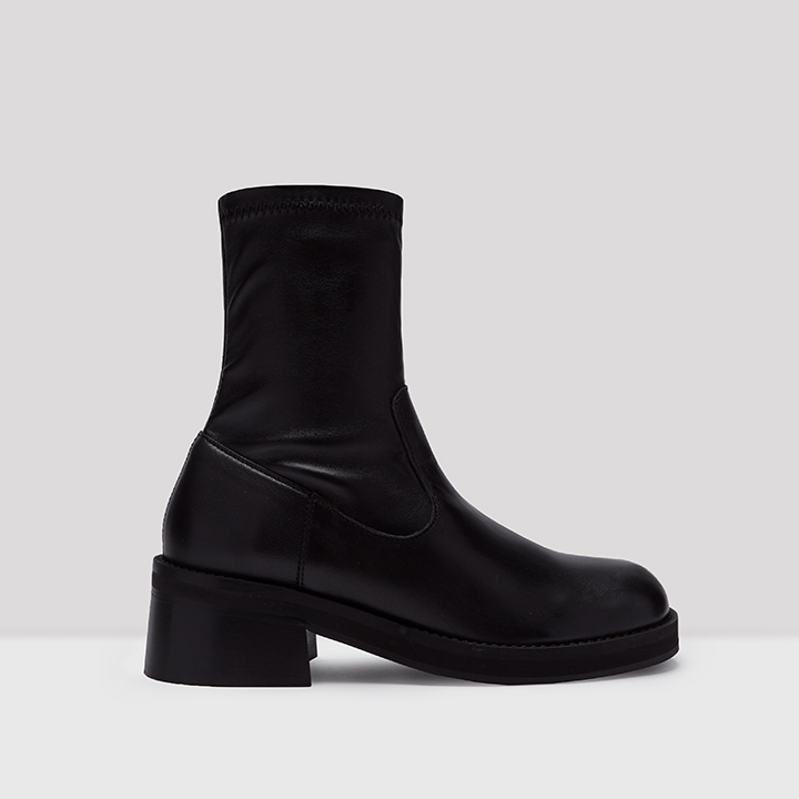 Oliana Black Leather Boots // E8 by