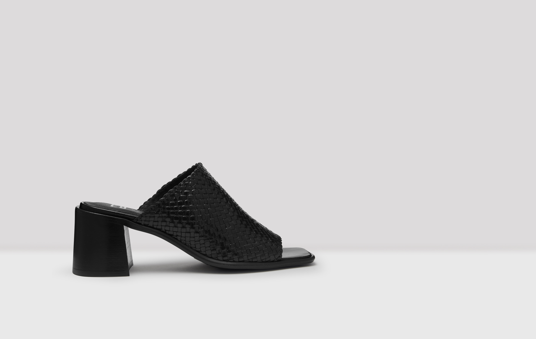 Mazu Black Woven Sandals // E8 by