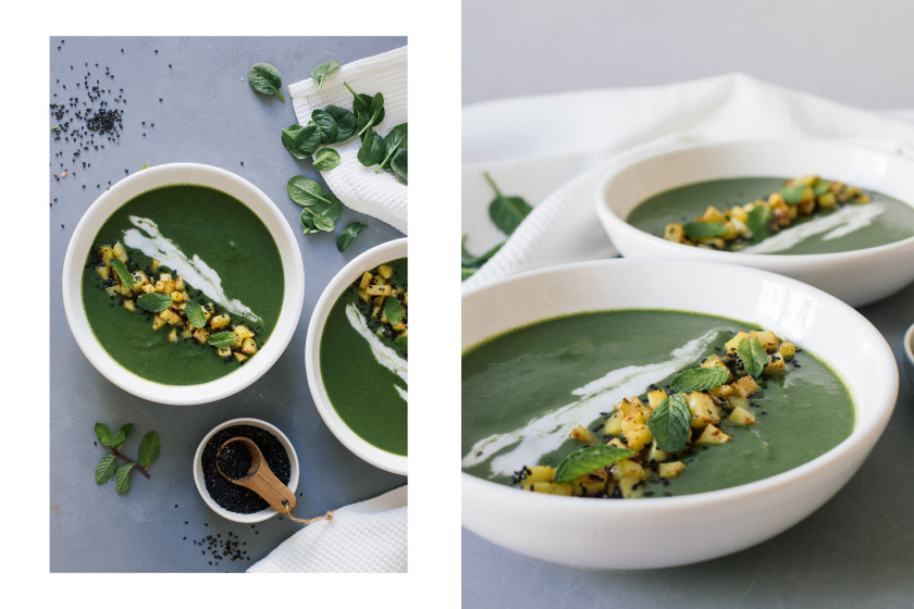 R257 Spinach soup with mint and potato topping