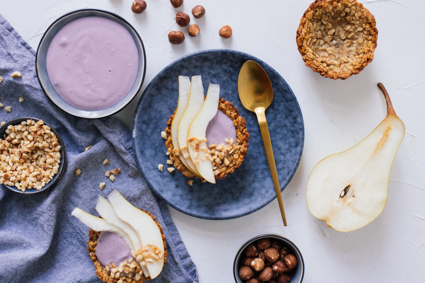 R234 Quick granola cups with blueberry yogurt