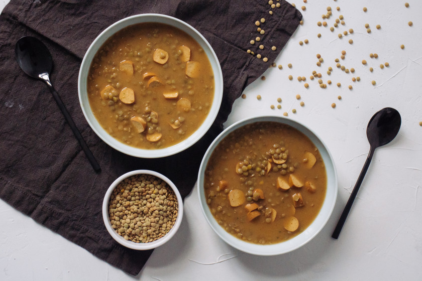 R227 Smoked Lentil Soup with vegan Sausages