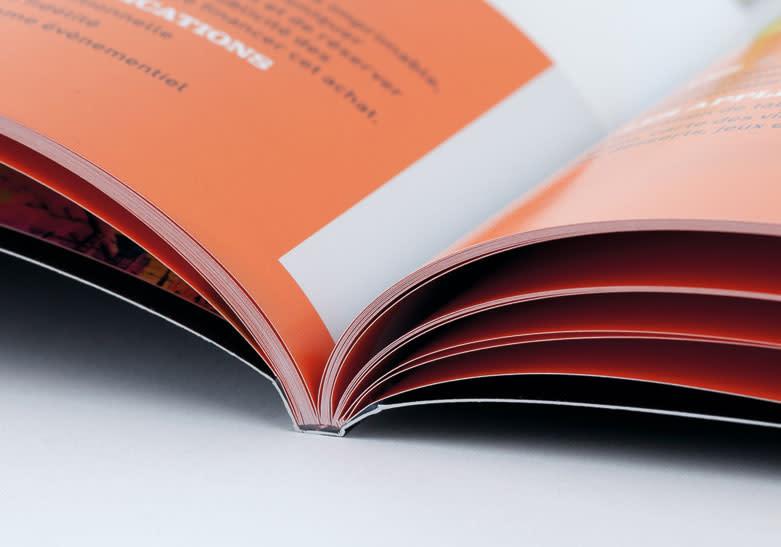PROMO 10%  brochure dos carré collé