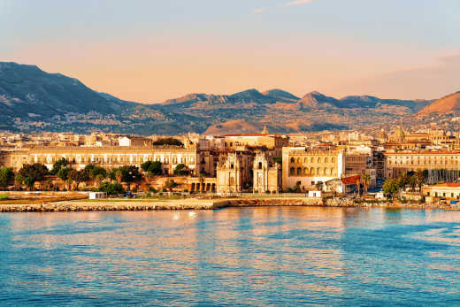 View of the coastline of Palermo - to discover on a Palermo holiday