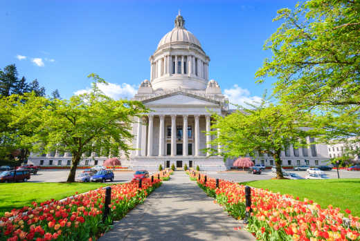 Discover the Washington State Capitol Building of Olympia city during your Washington Tour.