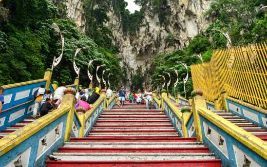 Batu Caves to Discover on Kuala Lumpur Vacation