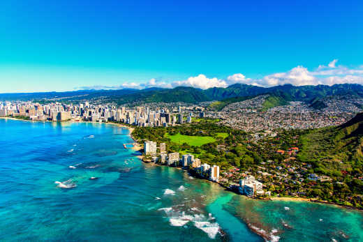 Experience the city's coastline on your Honolulu vacation