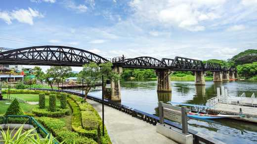 Bridge_on_the_Kwai_near_Kanchanaburi_Thailand