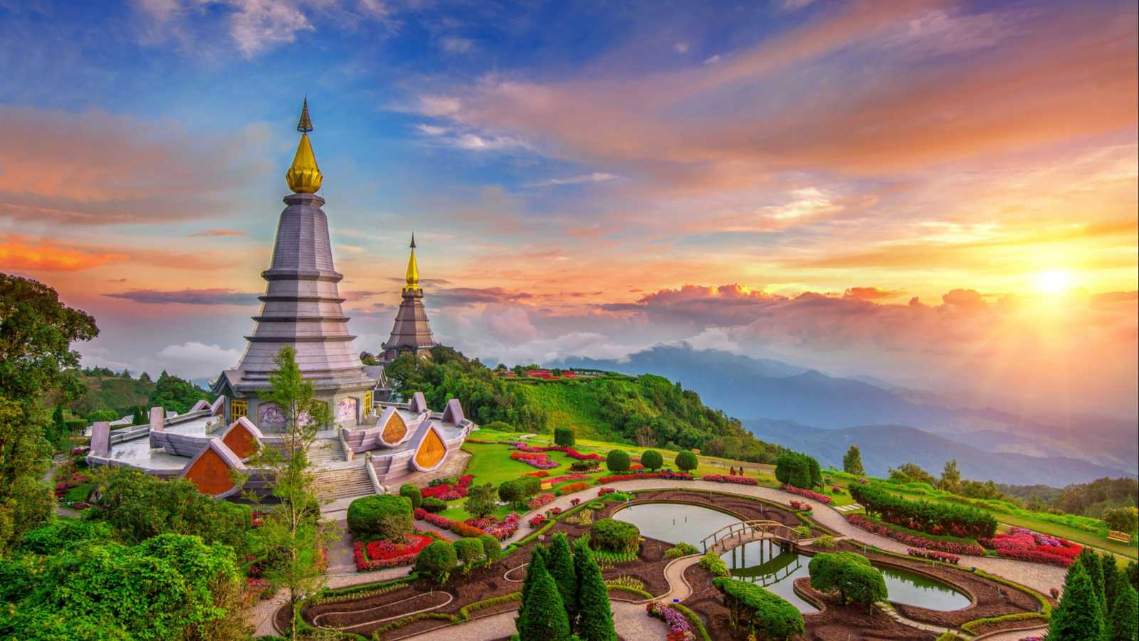 Der_Inthanon_Mountain_in_Chiang_Mai_Thailand