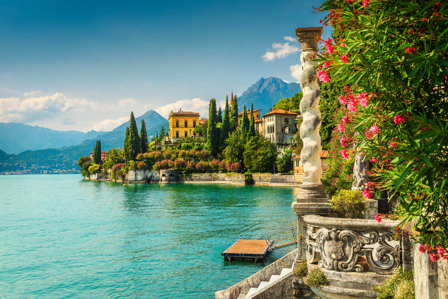 Discover the beauty of northern Italy on a Lake Como tour