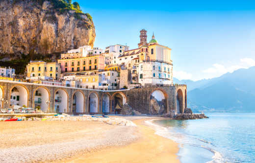 Discover the beautiful Italian coastline on an Amalfi Coast vacation