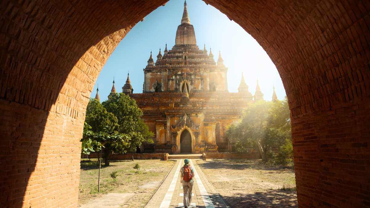 Discover the most beautiful temples on a tour of Asia.