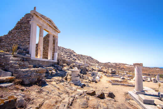 See beautiful ancient ruins on a Mykonos vacation