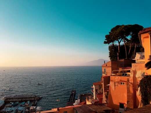 Enjoy beautiful bays and views on a Sorrento holiday