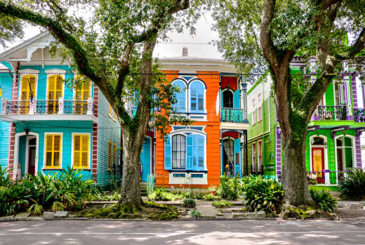 Experience colorful houses on a New Orleans vacation