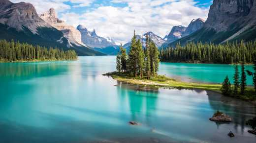 Discover Jasper National Park during your Alberta Vacation.