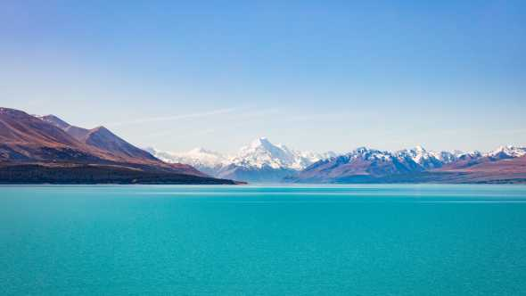 Discover the beautiful blue waters of Tekapo Lake on a New Zealand tour