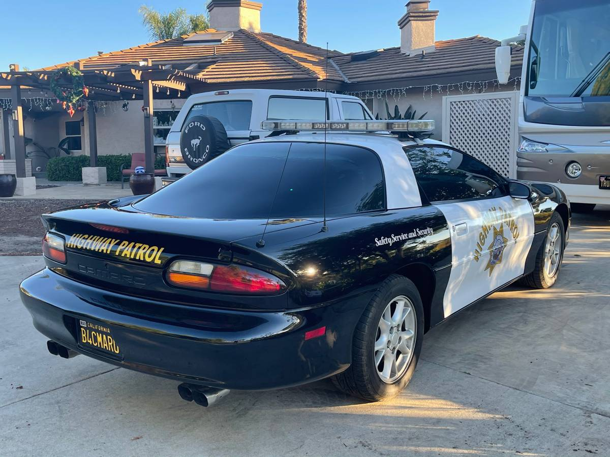 final-year-b4c-2002-chevrolet-camaro-rs-california-highway-patrol01414 7js3aaCdZZxz 0CI0t2 1200x900