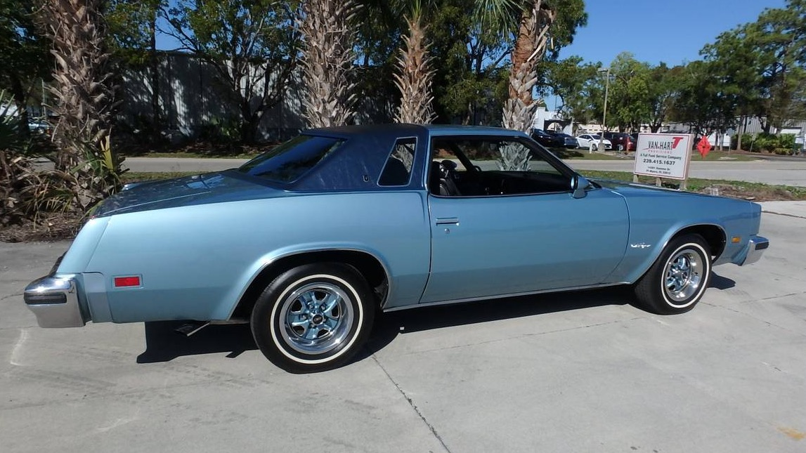 a-supreme-choice-1976-oldsmobile-cutlass-supreme00n0n 3UXlZpTXfTxz 0uY0ne 1200x900