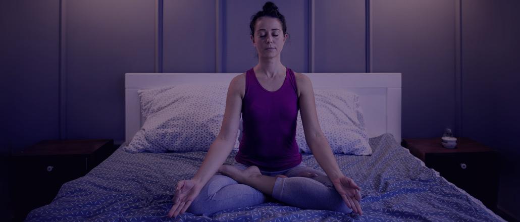 Cómo dormir bien por la noche: consejos y remedios